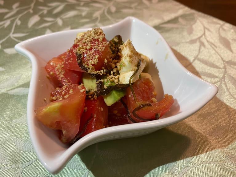 トマトとアボカドの塩昆布サラダのレシピ