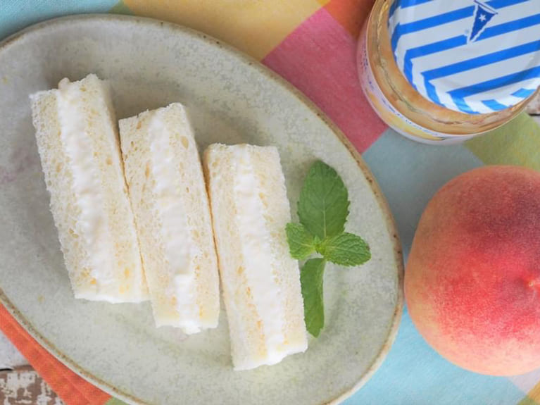 カルシウムたっぷり♪桃のサンドイッチのレシピ
